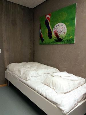 Mein puristisches Zimmer für Sportler (A 7)