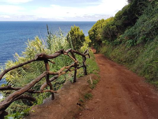Wanderweg von Fajã dos Cubres nach Fajã da Caldeira de Santo Cristo