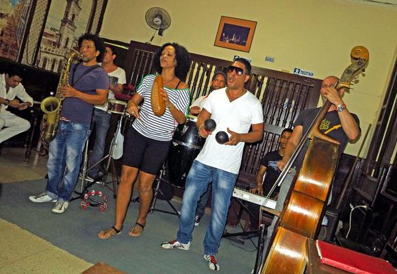 Musik-Band im Café de Paris