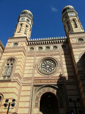 Große Synagoge (Synagoge der Dohánystraße), gebaut nach Plänen des Wiener Architekten Ludwig Förster 1854–59 im maurischen Stil