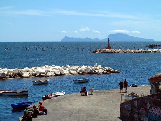 Am Belvedere (Via Nazario Sauro), mit Blick auf Capri
