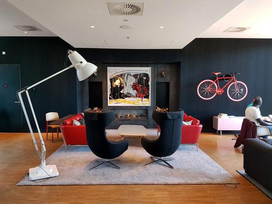 Lounge mit Vitra-Möbeln