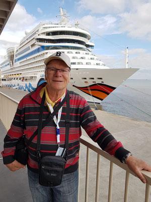 Am Kai vor Abfahrt der AIDAmar nach Cartagena