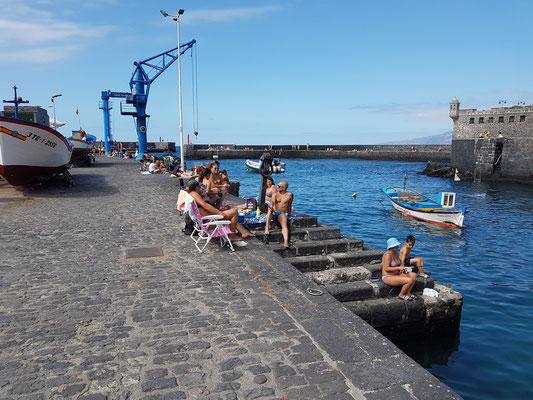 Puerto de la Cruz. Samstagnachmittag im Stadthafen