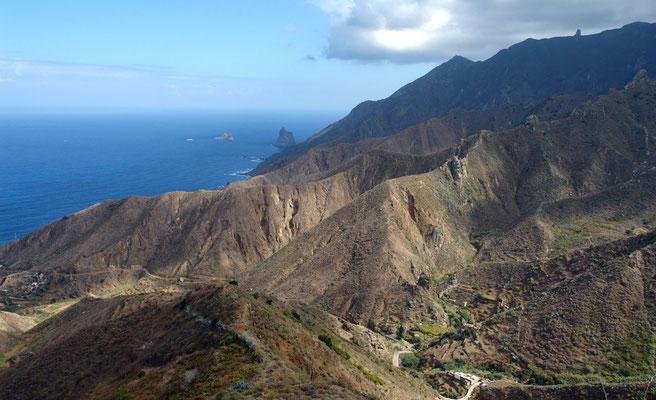 Anaga-Gebirge, Mirador Pico de Inglés. Blick nach NO auf Monte de las Mercedes bis zum Roque de Tierra