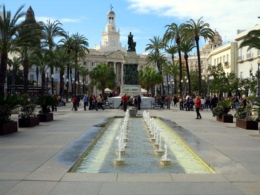 Cádiz, Auf der Plaza de San Juan de Dios mit Blick zum Ayuntamiento