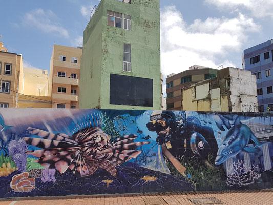 Graffiti an der Avenida Apolinario 17 im Westen der Playa de Las Canteras
