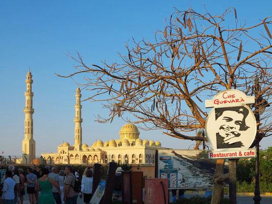 Marina Hurghada auf die Al Mina Moschee