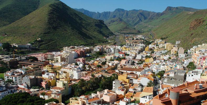 Inselhauptstadt San Sebastián im Barranco de La Villa, Blick vom Parador Nacional nach NW