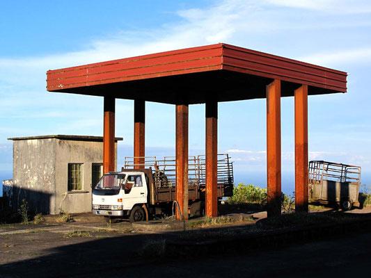 Ehemalige oder nie fertiggestellte Tankstelle (Foto: Bernd.Th)