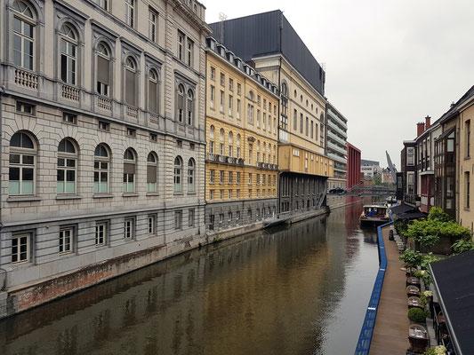 Rückseite der Opera Gent am Ketelvaart