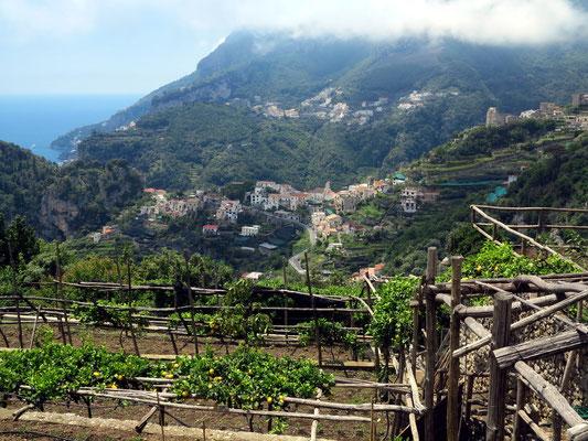 Blick vom Hotel Villa Maria nach Westen zur Ortschaft Scala und zur Amalfiküste