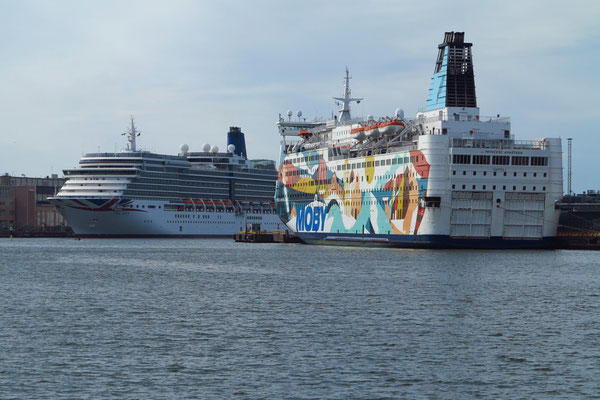 MS Princess Anastasia hat am Busholmskajen im Westhafen festgemacht