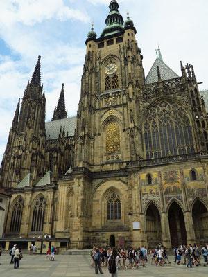 Veitsdom auf der Prager Burg (Velká jižní věž katedrály sv. Víta)