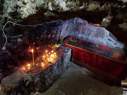 Grab des hl. Barnabas in der Krypta