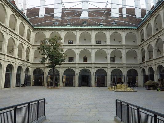Die Stallburg, ein Teil der Hofburg. Hier sind die Lipizzaner der Spanischen Hofreitschule untergebracht.