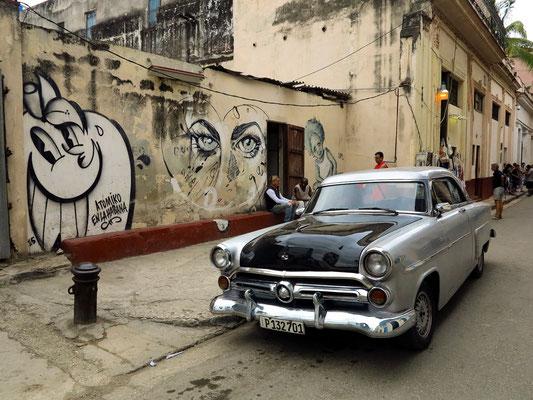 Typisches Straßenbild von Habana Vieja