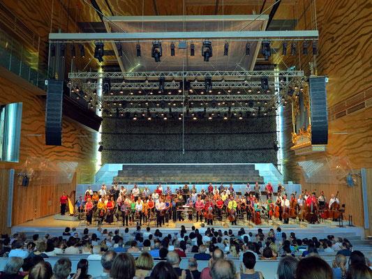 Applaus nach dem Konzert, Orquestra Sinfónica do Porto Casa da Música, Dirigent Olari Elts