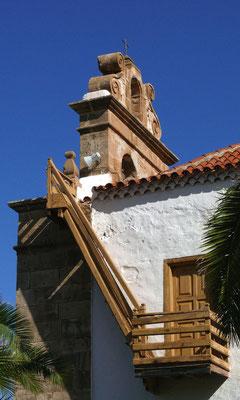 La Vega de Río de las Palmas, Glockengiebel der Dorfkirche