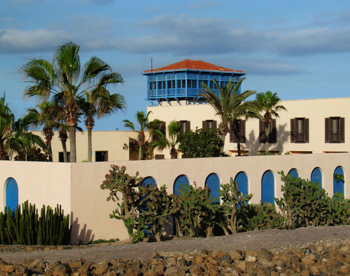 Puerto del Rosario, Hotel Fuerteventura Playa Blanca, ehemals Parador Nacional im Stil einer nordafrikanischen Karawanserei