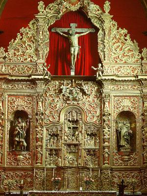 Telde, Pfarrkirche San Juan Bautista, Ende 15. Jh. In den barocken Altaraufsatz ist eine spätgotisch-flämische polychrome Holzschnitzerei vom Ende des 15. Jh./Anfang 16. Jh. eingebaut. Sechs Szenen aus dem Leben Christi