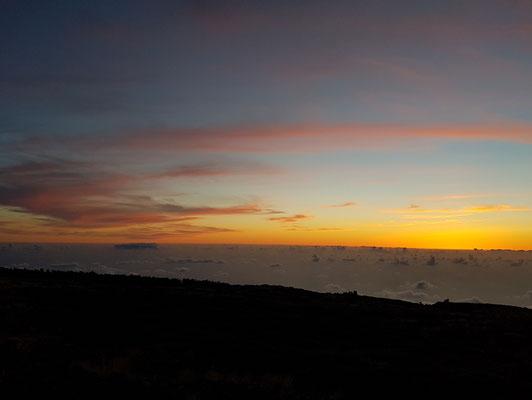 Über den Wolken in 2400 Meter Höhe, Blick nach W