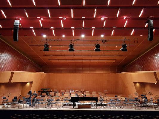 Großer Saal der Congresshalle vor einem Klavierkonzert