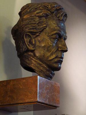 Bronzebüste des Dirigenten Herbert von Karajan, 1935 - 1942 Generalmusikdirektor in Aachen