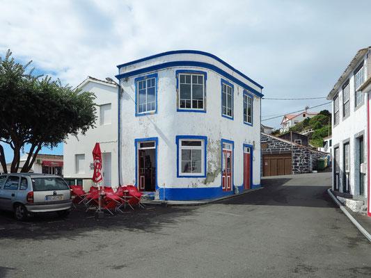Calheta de Nesquim, urige Bar