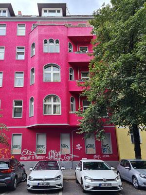 Wohnfassade in Neukölln