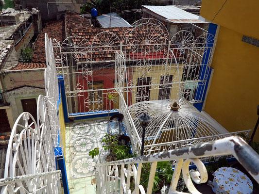 Blick vom Dach des Hostals Girasol auf die Frühstücksebene