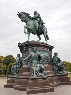 Ludwig Brunow: Reiterdenkmal Friedrich Franz II., feierliche Enthüllung 1893