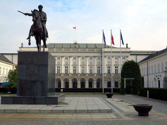 Der Warschauer Präsidentenpalast wurde von 1643 bis 1645 errichtet. Seit 1995 ist das Schloss Sitz des polnischen Präsidenten.