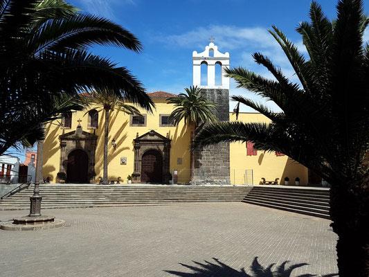 Garachico, Ex-Convento de San Francisco, Blick von der Plaza de la Libertad