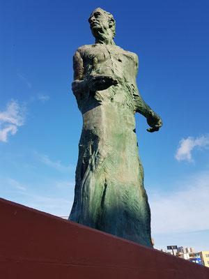 Las Palmas, 8,5 Meter hohe Bronzestatue des Opernsängers Alfredo Kraus