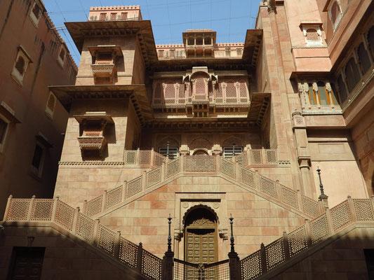 Eingangsbereich des Junagarh Forts im ersten großen Innenhof
