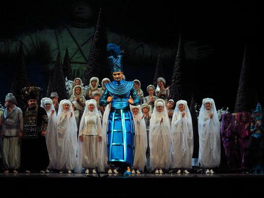 Stanislawski-Musiktheater, Aladino e la lampada magica, Applaus: der Hofmeister des Sultans