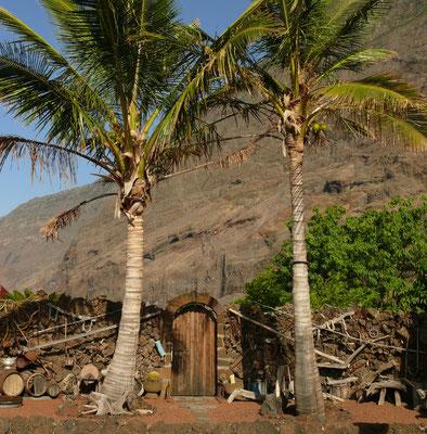 Finca El Guinea im Tal von El Golfo, mit alten landwirtschaftlichen Geräten