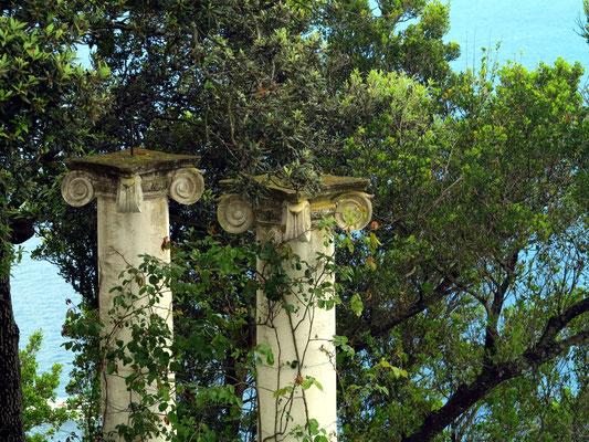 Garten mit jonischen Säulen