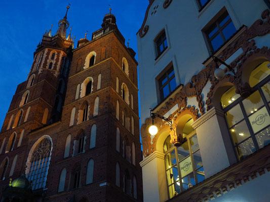 Marienkirche und Hard-Rock-Café