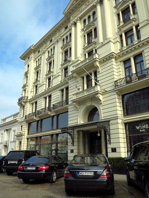 Hotel Bristol, 1899 bis 1901 von Władysław Marconi und Stanisław Grochowicz im Jugendstil in Anlehnung an die Neorenaissance erbaut
