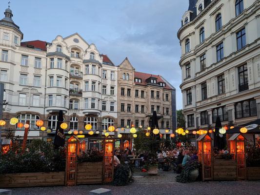 Münzplatz mit Peterssteinweg und Vietnamesisches Restaurant