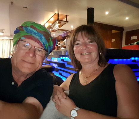 Galabya in der Bar, Abschiedsfest auf der Solaris II