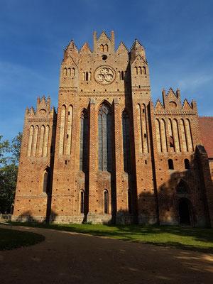 Westansicht der Klosterkirche