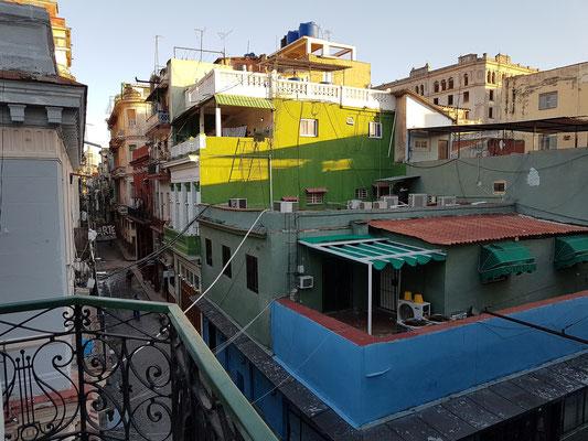 Blick vom Hotel nach N in die Calle Villegas