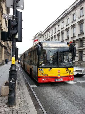 Bus 175 in der Ulica Nowy Świat