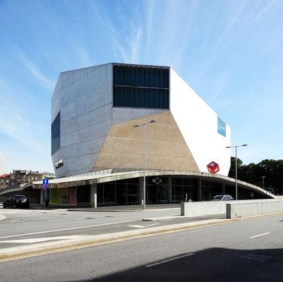 Casa da Música, Blick von der Av. de Boavista