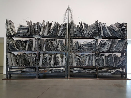 Anselm Kiefer (geb. 1945, Deutschland): The High Priestess/Zweistromland, 1985-1989, Steel, lead, copper, glass, photography, mixed media,  370x780x50 cm