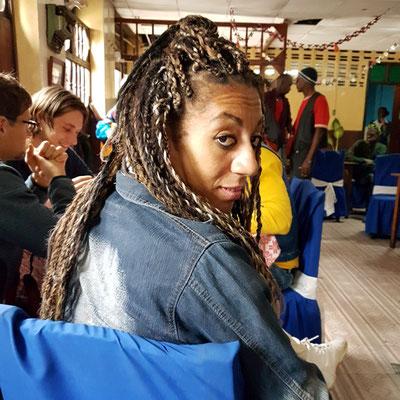 Blickkontakt mit Yuneysys ... Anmache auf kubanisch ...