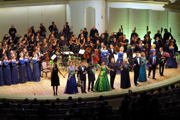 Eugen Onegin, Applaus für Sänger, Chor, Orchester und Dirigent Yury Bashmet
